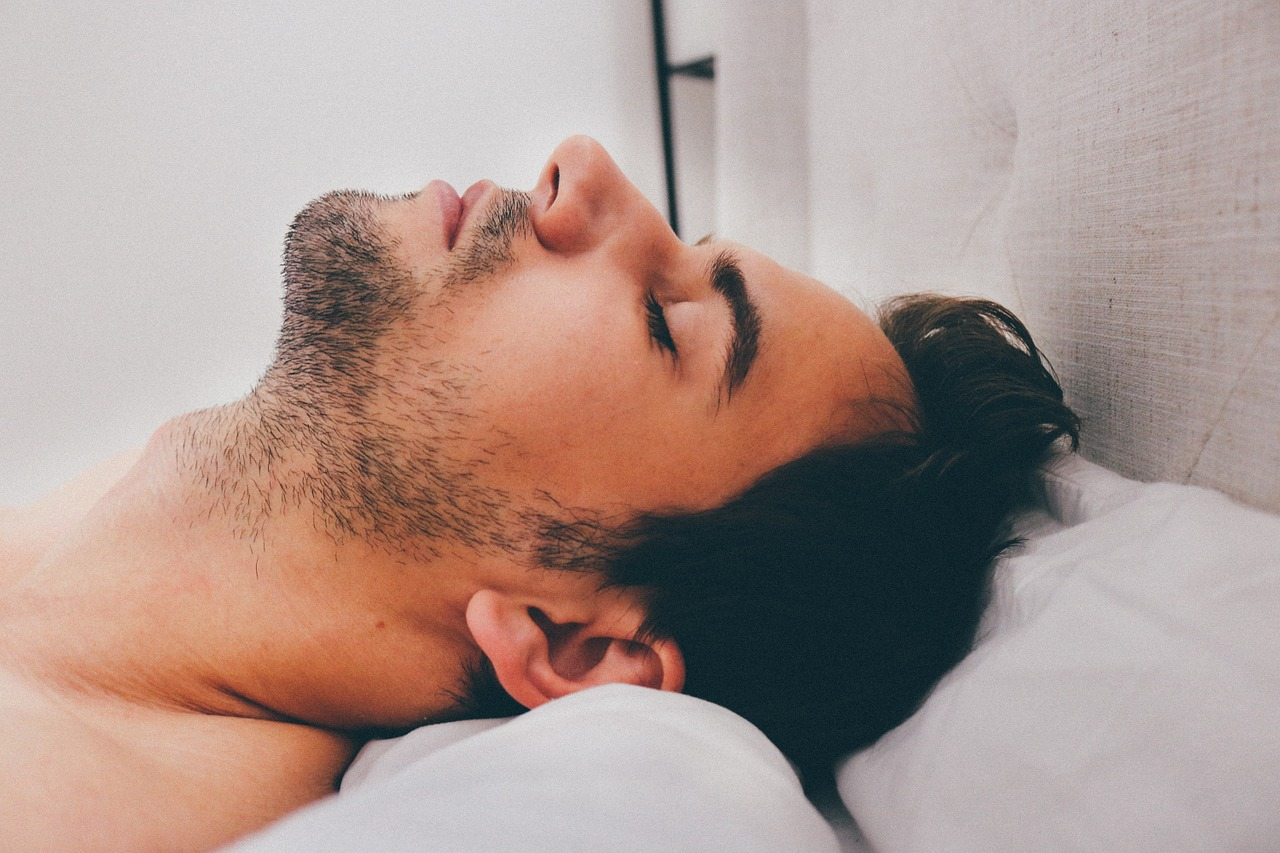 4 Remedies to Reduce Snoring and Get a Better Sleep